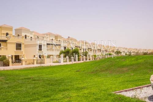 Spacious 4 Bedroom Townhouse - Full Golf Course View